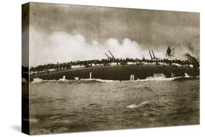 The sinking of the German cruiser 'Blücher' in the North Sea, World War I, January 24, 1915-Unknown-Stretched Canvas Print