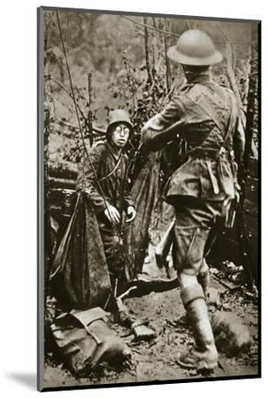 British 'mopping-up' squad surprises a German straggler, World War I, Aisne, France, 1918-Unknown-Mounted Photographic Print