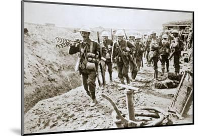 A British wiring party going up to the trenches, Somme campaign, France, World War I, 1916-Unknown-Mounted Photographic Print