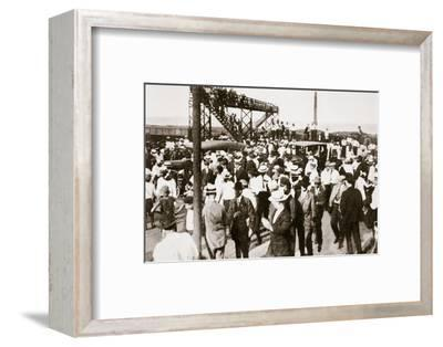 African Americans and whites leaving the beach as trouble begins, Chicago, Illinois, USA, c1919-Unknown-Framed Photographic Print