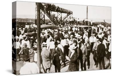 African Americans and whites leaving the beach as trouble begins, Chicago, Illinois, USA, c1919-Unknown-Stretched Canvas Print