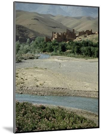 Ait Arbi kasbah, fortified manor house or village-Werner Forman-Mounted Giclee Print