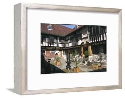 St William's College, York, North Yorkshire-Rolf Richardson-Framed Photographic Print