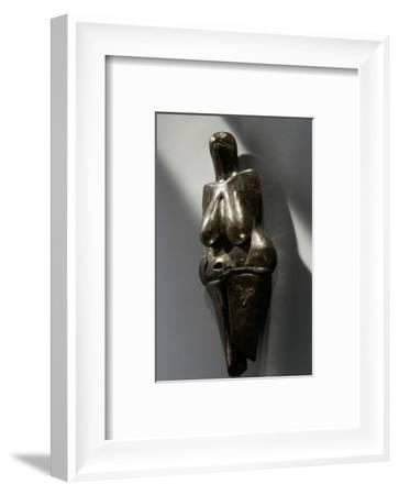 Stylised clay female figurine, Czech Republic, Paleolithic, Aurignacian period, c38,000 BC-Werner Forman-Framed Photographic Print