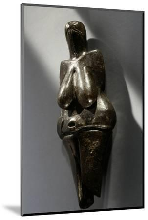 Stylised clay female figurine, Czech Republic, Paleolithic, Aurignacian period, c38,000 BC-Werner Forman-Mounted Photographic Print