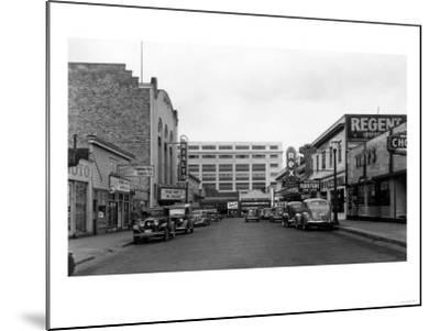 Bremerton, WA Street Scene Town View Photograph - Bremerton, WA-Lantern Press-Mounted Art Print