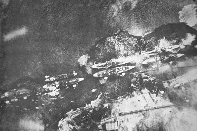 U.S. Warships on Battleship Row, Pearl Harbor, 7th December, 1941-Japanese Photographer-Photographic Print