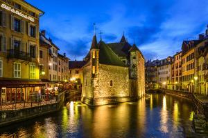 France, Rh™ne-Alpes, Haute-Savoie, Annecy, River Thiou, Old Town, Palais De L'Isle by Udo Siebig