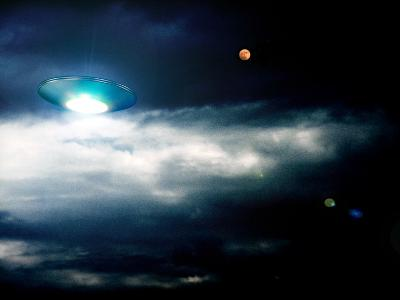 UFO-Detlev Van Ravenswaay-Photographic Print