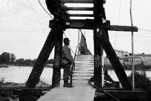 The Footbridge Connecting Gradisca with Sdraussina During World War I by Ugo Ojetti