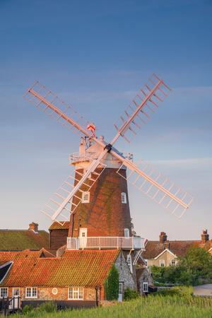https://imgc.artprintimages.com/img/print/uk-england-norfolk-north-norfolk-cley-next-the-sea-cley-windmill_u-l-q1bpm2m0.jpg?p=0