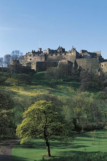 UK, Scotland, Edinburgh, Castle and Princes Street Gardens--Giclee Print
