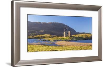 UK, Scotland, Highland, Sutherland, Lochinver, Loch Assynt, Ardvreck Castle-Alan Copson-Framed Photographic Print