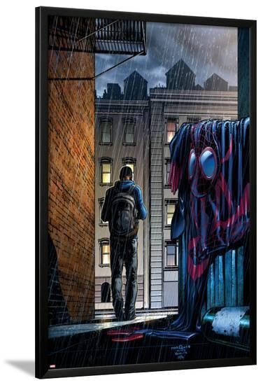 Ultimate Comics Spider-Man #23 Cover: Spider-Man, Miles Morales-David Marquez-Lamina Framed Poster