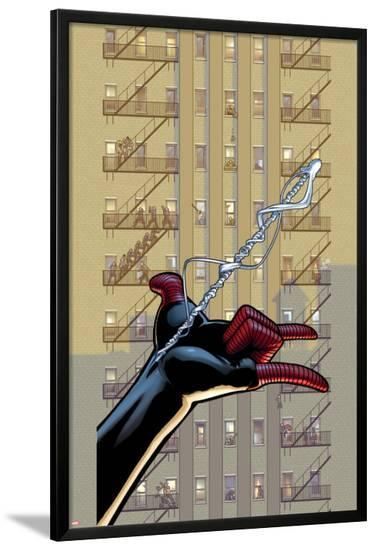 Ultimate Comics Spider-Man #26 Cover: Spider-Man-David Marquez-Lamina Framed Poster