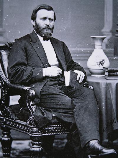 Ulysses Simpson Grant (1822-85)-Mathew Brady-Photographic Print