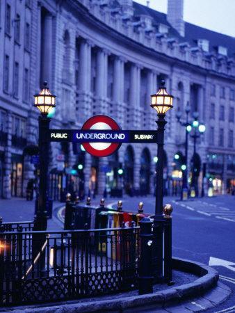 https://imgc.artprintimages.com/img/print/underground-station-sign-london-united-kingdom-england_u-l-p11j6o0.jpg?p=0