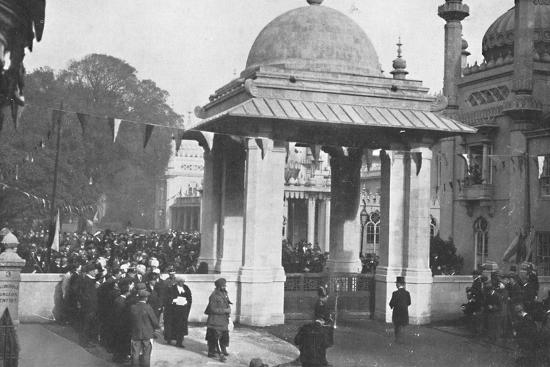'Unveiling of the Indian Memorial Gateway by the Maharaja of Patiala, 26th October 1921', (1939)-Unknown-Photographic Print