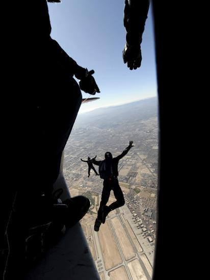 US Air Force Academy Parachute Team Jumps Out of an Aircraft over Nellis Air Force Base, Nevada--Photographic Print