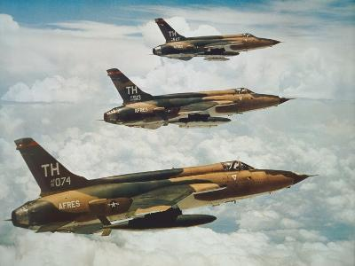 Us Air Force Republic F-105 Thunderchief Fighters--Giclee Print