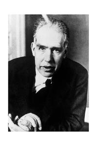 Portrait of Niels Bohr by us National Archives