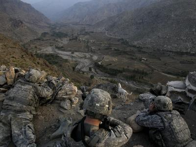 US Soldiers Take an Overwatch Position on a Mountain Top in the Pech Valley, Afghanistan--Photographic Print