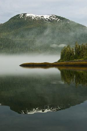 https://imgc.artprintimages.com/img/print/usa-alaska-morning-fog-on-lake_u-l-pu39ju0.jpg?p=0