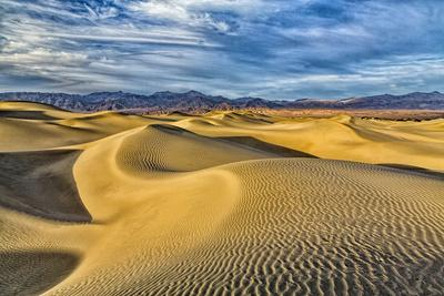 https://imgc.artprintimages.com/img/print/usa-bishop-california-death-valley-national-park-sand-dunes_u-l-q1d06iq0.jpg?p=0