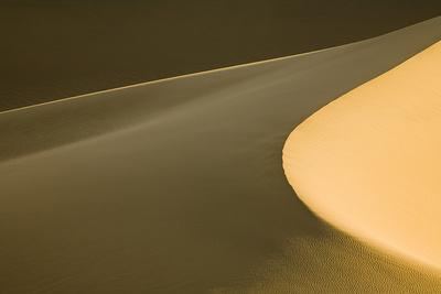 https://imgc.artprintimages.com/img/print/usa-california-death-valley-national-park-mesquite-flat-sand-dunes_u-l-q1gxkp40.jpg?p=0