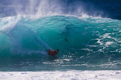 https://imgc.artprintimages.com/img/print/usa-hawaii-oahu-surfers-in-action-at-the-pipeline_u-l-pu3ap60.jpg?p=0