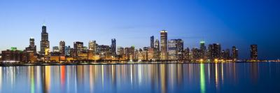 https://imgc.artprintimages.com/img/print/usa-illinois-chicago-dusk-view-of-the-skyline-from-lake-michigan_u-l-phz74q0.jpg?p=0