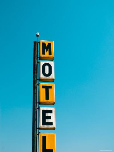 USA, Illinois, Route 66, Broadwell, Old Motel Sign-Alan Copson-Photographic Print