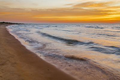 USA, Michigan, Paradise, Whitefish Bay Beach with Waves at Sunrise-Frank Zurey-Photographic Print