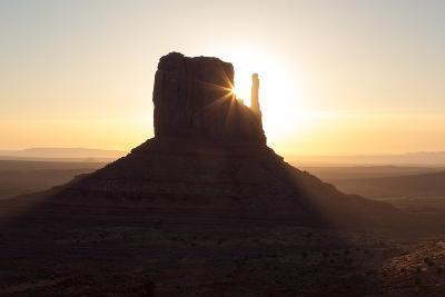 USA, Monument Valley, Sunrise, Sunrays-Catharina Lux-Photographic Print