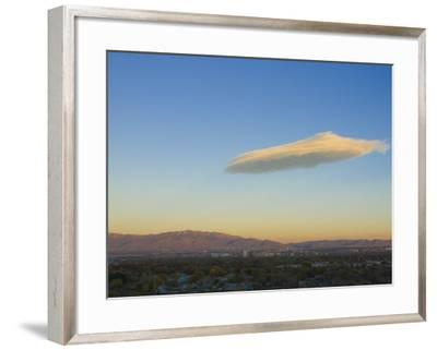 USA, New Mexico, Albuquerque, Skyline, Sandia Mountains and Lenticular Cloud-Alan Copson-Framed Photographic Print
