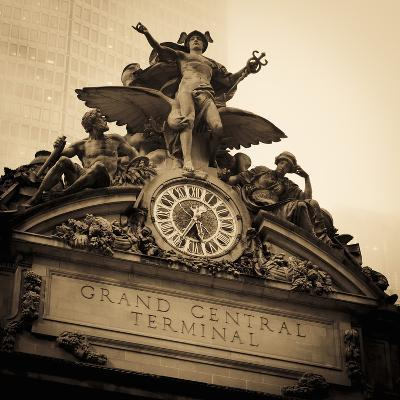USA, New York City, Manhattan, Midtown, Grand Central Station-Alan Copson-Photographic Print