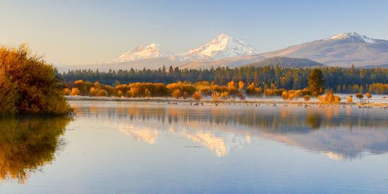 USA, Oregon, Bend. Black Butte Ranch, fall foliage and Cascade Mountains-Hollice Looney-Photographic Print