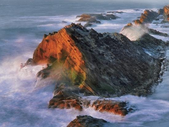 USA, Oregon, Shore Acres State Park. Sunset Light on Ocean Shore Cliffs-Jaynes Gallery-Photographic Print