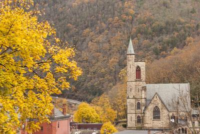 https://imgc.artprintimages.com/img/print/usa-pennsylvania-jim-thorpe-st-marks-episcopal-church_u-l-q1djk4z0.jpg?p=0