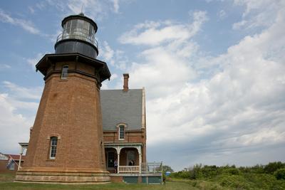 USA, Rhode Island, Block Island, Mohegan Bluffs, Southeast Lighthouse.-Cindy Miller Hopkins-Photographic Print