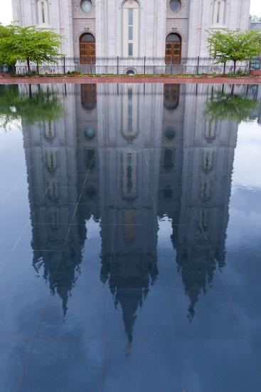 USA, Salt Lake City, Temple Square, Mormon Temple, Mirroring-Catharina Lux-Photographic Print