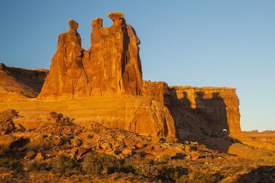 USA, Utah, Arches NP. the Three Gossips Formation at Sunrise-Cathy & Gordon Illg-Photographic Print