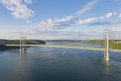 https://imgc.artprintimages.com/img/print/usa-washington-state-tacoma-tacoma-narrows-bridge-spanning-the-tacoma-narrows-strait_u-l-q1gxkdj0.jpg?p=0