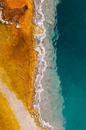 https://imgc.artprintimages.com/img/print/usa-yellowstone-national-park-west-thumb-geyser-basin-black-pool_u-l-q11wzv30.jpg?p=0