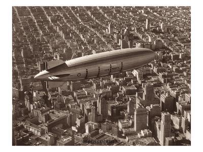 USS Macon, San Francisco, 1933-Clyde Sunderland-Giclee Print
