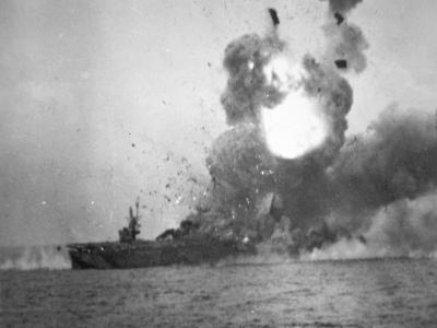 USS St. Lo Explodes, Battle of Leyte Gulf, October 1944--Photographic Print