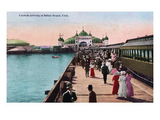 Utah, View of Crowds Arriving at the Saltair Pavilion-Lantern Press-Art Print