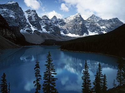 https://imgc.artprintimages.com/img/print/valley-of-ten-peaks-lake-morain-banff-national-park-alberta-canada_u-l-p8483i0.jpg?p=0