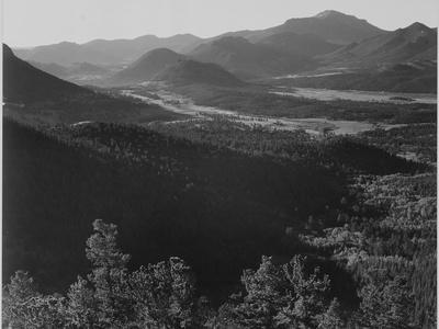 https://imgc.artprintimages.com/img/print/valley-surrounded-by-mountains-in-rocky-mountain-national-park-colorado-1933-1942_u-l-q19r4gj0.jpg?p=0