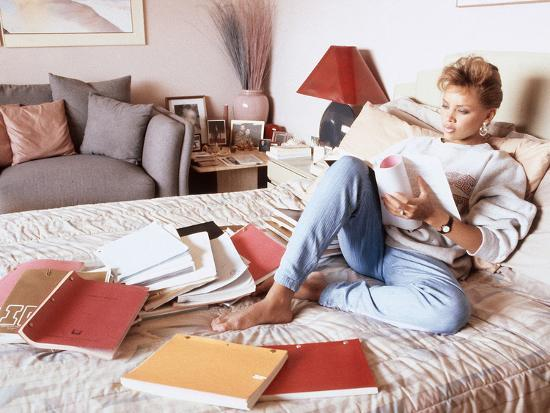 Vanessa Williams, Relaxes While Reading over Movie Scripts, 1987-Vandell Cobb-Photographic Print